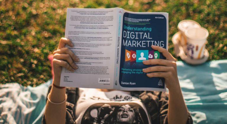 Comprendre votre mix média : analyse de la contribution de vos leviers marketing dans la décision d'achat du consommateur